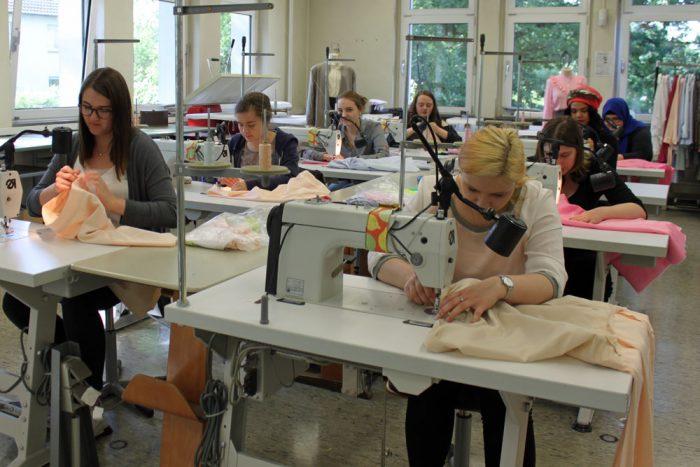 Nähwerkstatt - Bekleidungstechnischer Assistent